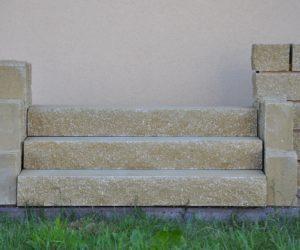 Stopień schodowy